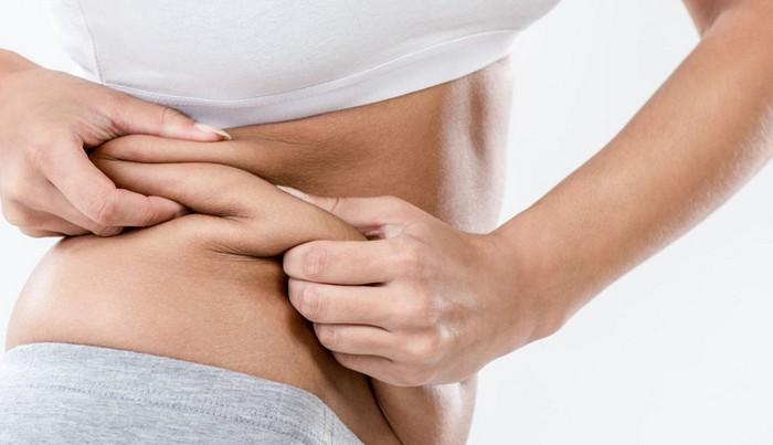 ぽっこりお腹の改善に◎。内臓脂肪の減少に役立つ「明日葉」のレシピ3選