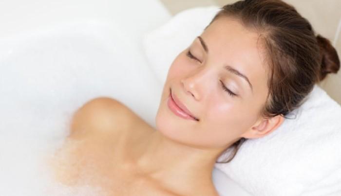 半身浴はダイエット&デトックス効果なし 肌乾燥のリスクも